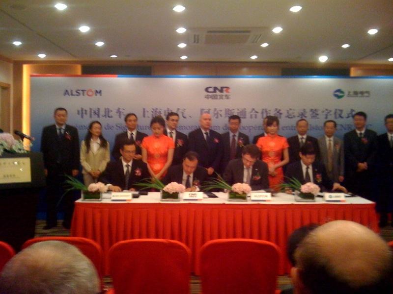 SHANGHAI - Participation à la cérémonie officielle de signature industrielle franco-chinoise entre Alstom et CNR