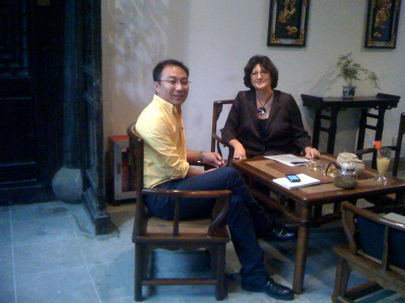SUZHOU - Régine Charvet-Pello et Zhifeng Zhao professeur de l'Université de Soochow